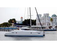 Katamaran Lavezzi 40 chartern in Marina Alboran