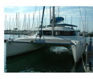 Katamaran Lavezzi 40 chartern in Marina Villa Igiea