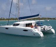 Kat Orana 44 in Charlotte Amalie chartern