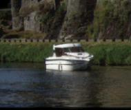Nicols 800 Houseboat for rent Rogny les Sept Ecluses (France)