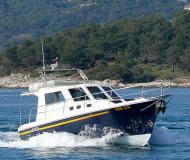 Motorboot Adria 1002 Vektor Yachtcharter in Marina Kornati