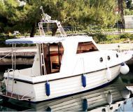 Motor yacht Adria 28 Luxus for hire in Brbinj
