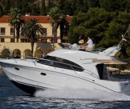 Motor boat Antares 36 for hire in Split