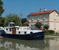 Motor yacht EuroClassic 139 for rent in Capestang Marina