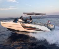 Motor boat Flyer 6.6 Spacedeck for rent in ACI Marina Trogir