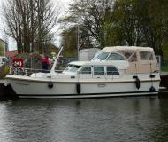 Motorboot Grand Sturdy 40.9 AC Yachtcharter in Marina Buchholz