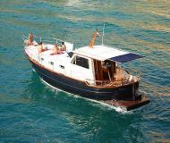 Motor yacht Menorquin 120 for rent in Marine Betina
