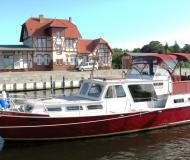 Motorboat with 2 cabins for charter in Stralsund
