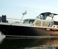 Motorboat available for charter in Yacht Harbour Waren