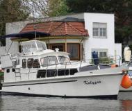 Wega Motoryacht Charter Berlin
