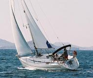 Sailing boat Bavaria 32 available for charter in Baska Voda