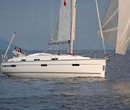 Sailing yacht Bavaria 36 Cruiser for rent in Arrecife