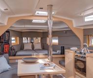 Sailing boat Oceanis 38 for rent in Marina Kotor