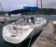 Sailing yacht Oceanis 393 for rent in Manuel Reef Marina