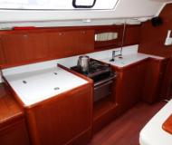 Yacht Oceanis 40 available for charter in Clifton