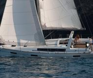 Yacht Oceanis 41 Yachtcharter in Yachthafen Pile