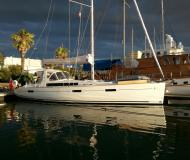 Sailing yacht Oceanis 45 for rent in Marti Marina