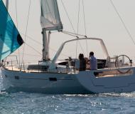 Yacht Oceanis 45 Yachtcharter in Cannigione Marina