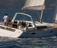Sailing yacht Oceanis 45 for rent in Puntone