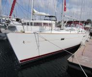Sailing yacht Oceanis 473 for charter in Athens