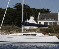 Sail boat Sun Odyssey 33i available for charter in Portisco