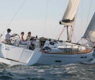Segelboot Sun Odyssey 409 Yachtcharter in Puerto Del Rey Marina
