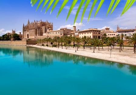 Segeln rund um Mallorca - Das Mittelmeer genießen