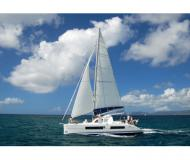 Katamaran Catana 41 chartern in Marina Uturoa