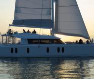 Katamaran Isara 45 Yachtcharter in Mandraki Marina