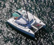 Kat Lagoon 380 chartern in Granville Insel Boatyard
