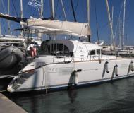 Katamaran Lagoon 380 S2 chartern in Tourlos Marina