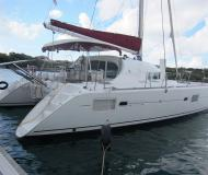 Kat Lagoon 410 chartern in Castries