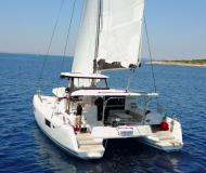 Katamaran Lagoon 42 Yachtcharter in ACI Marina Trogir