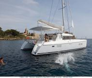 Catamaran Lagoon 420 for hire in Marti Marina