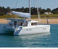 Catamaran Lagoon 421 for hire in Goecek