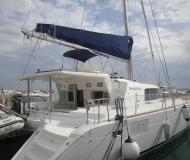 Catamaran Lagoon 440 for hire in Marina di Arechi