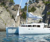 Katamaran Lagoon 450 chartern in Marina Seget Donji