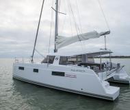 Kat Nautitech 40 chartern in Hafen von Hyeres
