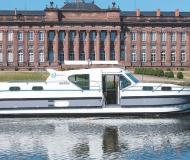 Hausboot Confort 1350 VIP Yachtcharter in Marina Saverne