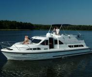 Hausboot Europa 400 Yachtcharter in Marina Lutzelbourg