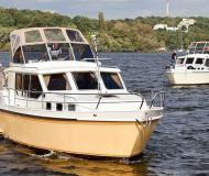 Hausboot Hollandia 1000 C chartern in Marina Bootscenter Keser