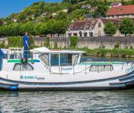 Houseboat Penichette 1020 available for charter in Saint Martin sur Oust