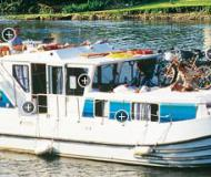 Houseboat Penichette 1160 for hire in Cappy