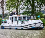 Houseboat Penichette 1180 available for charter in Cahors