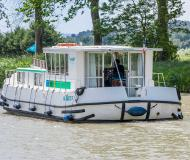 Houseboat Penichette 1260 for hire in Marina Lutzelbourg