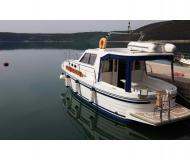 Motor boat Adria 1002 Vektor available for charter in Trget