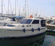 Motorboot Adria 1002 Vektor Yachtcharter in Marina Dalmacija