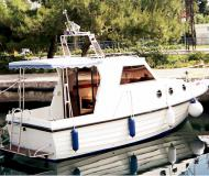 Yacht Adria 28 Luxus for rent in Marina Brbinj
