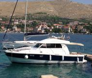 Motor yacht Antares 10.80 for rent in Marina Frapa