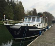 Motor boat Broesder Kotter 1130 for rent in Stavoren Warns